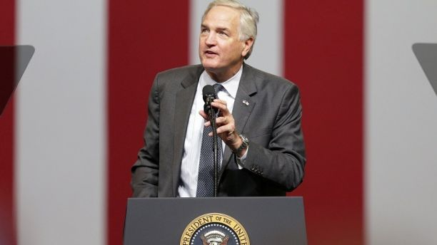 Senator Luther Strange prepares to introduce the President Donald Trump during a rally at the Von Braun Centre in Huntsville, Alabama, U.S., September 22, 2017. REUTERS/Marvin Gentry - RC1B5A215530